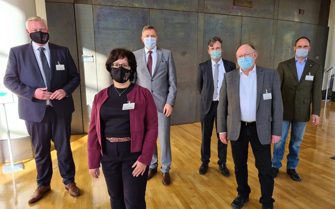 Bürgermeister Daniel Hartmann zu Gesprächen im Landtag
